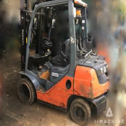 Forklifts CASE 32-8FG25 Gas Forklift MALAYSIA, JOHOR